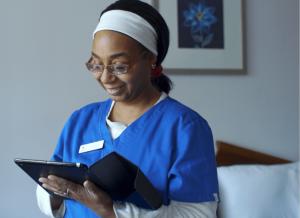 Doorways housekeeping staff on mobile app